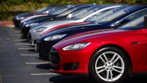 Tesla sieht Unfall-Verantwortung beim Fahrer
