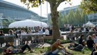 """""""Wir sitzen alle auf demselben Baum"""": Während der Frankfurter Buchmesse hat die Literaturkritik ihren größten Auftritt des Jahres"""