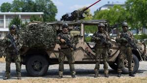 Gefahr durch Rechtsextreme in der Bundeswehr?