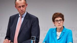 Merz: Staat hat immer noch keine Kontrolle in Flüchtlingspolitik