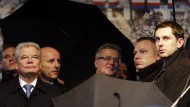 Tschechische Demonstranten bewerfen Gauck mit Eiern