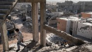 Durch die Ruinen von Sirte