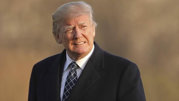 Auf einmal steigen Trumps Werte
