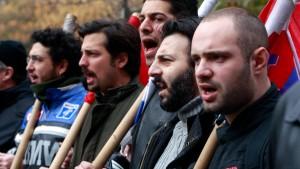 Griechen protestieren gegen weitere Kürzungen