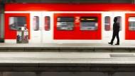Bahn bietet Lokführern Verhandlungstermin an