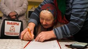 Kreml-Partei verliert etwa 77 Sitze