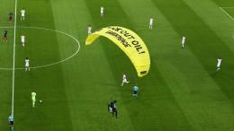 Aktivist stürzt in Münchner EM-Stadion
