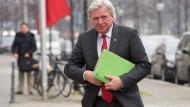 """Der hessische Ministerpräsident Volker Bouffier: """"Nach bestem Wissen und Gewissen"""""""