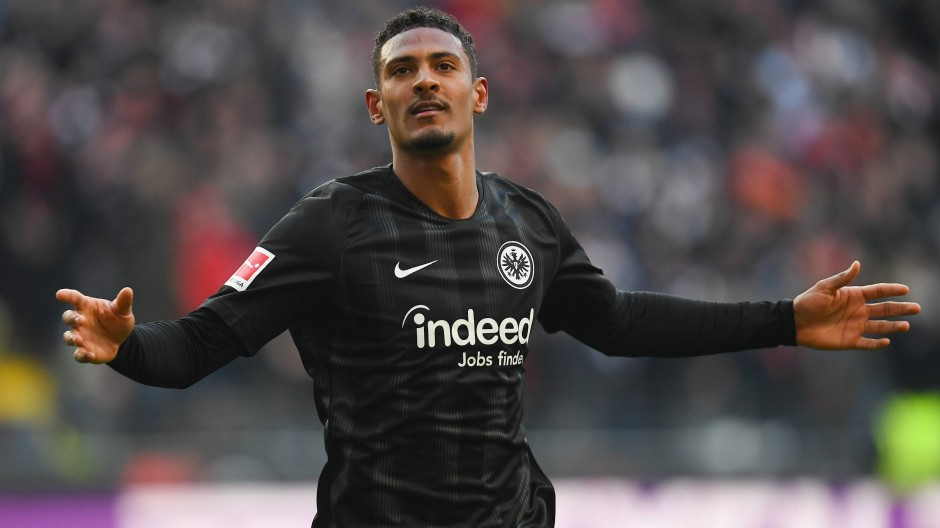"""""""Hammers"""" statt """"Adler"""": Sébastien Haller tauscht das Trikot der Frankfurter Eintracht gegen den Dress von West Ham United."""