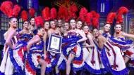 Weltrekord im Moulin Rouge