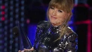 Taylor Swift wird auch bei American Music Awards politisch