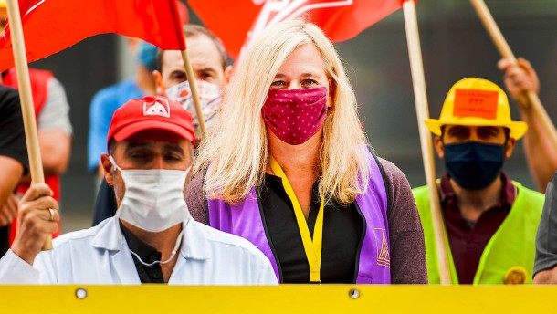 Conti-Beschäftigte hoffen auf Hilfe aus Berlin