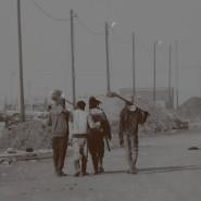 Auch wenn der größte Teil der Profite an dubiose Investoren, Milizen und korrupte Beamte geht, bleibt manchen Arbeitern doch genug fürs kleine Wirtschaftswunder in den Dörfern.