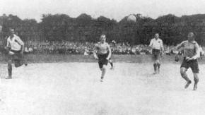Fußball: Deutsche Meisterschaft 1920 - 1. FC Nürnberg - SpVgg Fürth 2:0