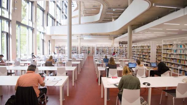 Vom Büchertempel zum Multimedia-Zentrum