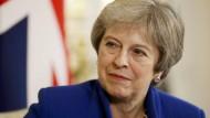 Gelingt es der britischen Premierministerin Theresa May, ihr Kabinett in der Irland-Frage hinter sich zu bringen?