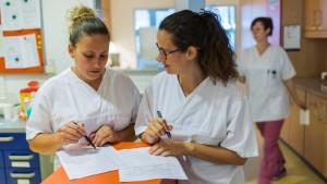 Spahn will Kliniken zu mehr Pflegepersonal zwingen