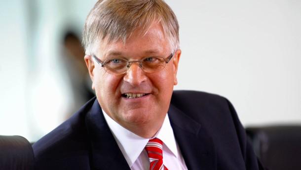 Bundestagsvizepräsident Peter Hintze ist tot