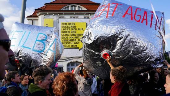 Tausende Demonstranten in Dresden