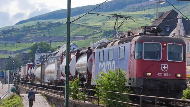 Bahnlärm am Rhein soll ausgebremst werden