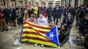 Bundesregierung ruft Spaniens Politiker zu Zusammenarbeit auf