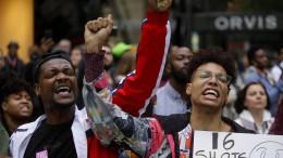 Polizist in Chicago wegen Tötung eines schwarzen Teenagers verurteilt