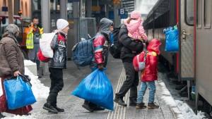 476.649 Asylanträge im Jahr 2015