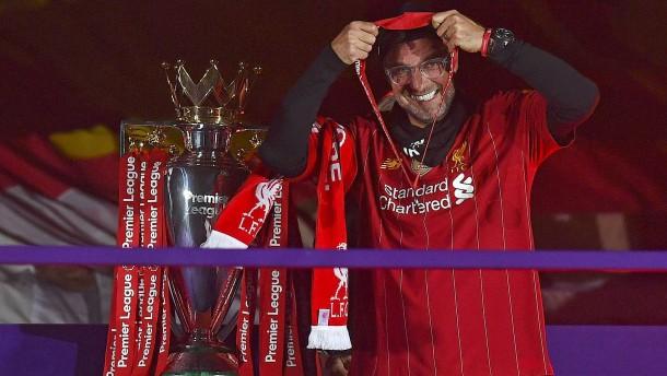 Klopp holt den Meisterpokal zurück nach Liverpool