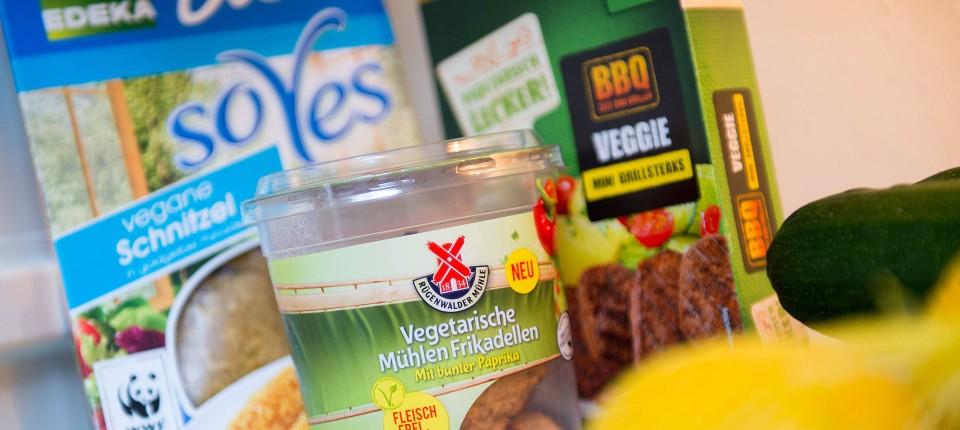 fleischersatzprodukte vegan ist nicht gleich gesund. Black Bedroom Furniture Sets. Home Design Ideas