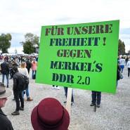"""Am Rande der Demonstration der Initiative """"Querdenken"""" in Konstanz am 4. Oktober."""