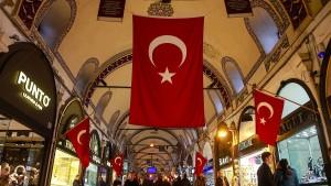 Fitch stuft Türkei auf Ramschniveau herab