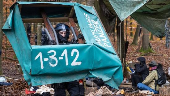 Polizei beginnt Räumung im Dannenröder Forst