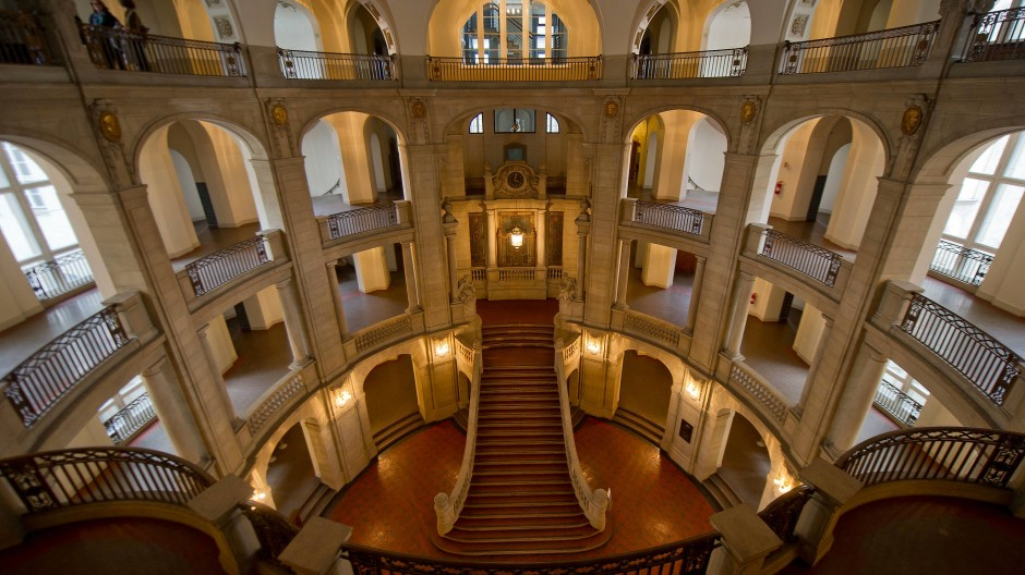 Die Eingangshalle des Kammergerichtes Berlin.