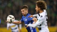 In der Bundesliga hatten Matija Nastasic (l.) und der FC Schalke gegen Gladbach das Nachsehen.