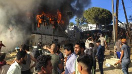 Tote bei Brand in Flüchtlingslager
