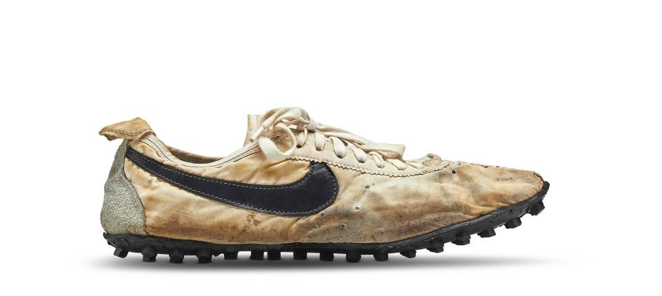 more photos 4f5fb d6319 Nike-Turnschuhe für Rekordpreis versteigert