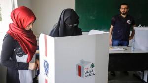 Libanesen dürfen zum ersten Mal seit neun Jahren wählen