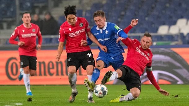 """Darmstädter """"Lilien"""" besiegen Hannover mit 2:1"""