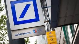 Tausende Stellen bei Deutscher Bank und Postbank in Gefahr