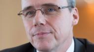 Innenminister Beuth: Der Untersuchungsausschuss prüft, ob Beuth dem Unternehmen Palantir Informationen über das Vergabeverfahren von Aufträgen verraten hat.