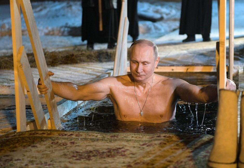 Bitte drucken! Wladimir Putin zeigt sich gerne in Badehose.