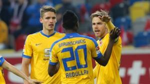Hernandez schießt Braunschweig zum Sieg