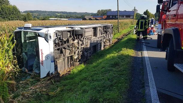 Polizei sucht Ursachen für Busunfälle vom Wochenende