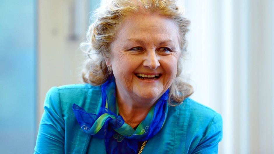 Edita Gruberova im Jahr 2013 im Gespräch mit Journalisten