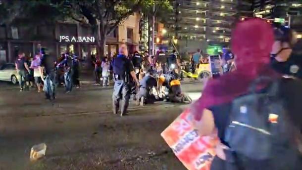Verletzte und ein Toter bei Demonstrationen in Amerika