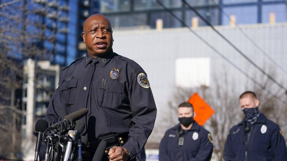 Nashvilles Polizeichef John Drake bei einer Pressekonferenz