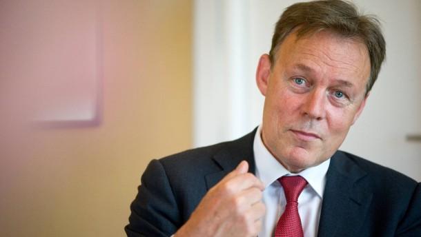 Thomas Oppermann - Mit dem Ersten Parlamentarischen Geschäftsführer der SPD-Bundestagsfraktion sprechen in seinem Berliner Abgeordnetenbüro Majid Sattar und Peter Carstens