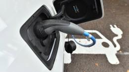 Viele Deutsche zweifeln am Elektroauto