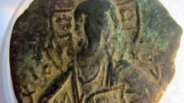 Kleiner Junge findet 1000 Jahre alte Münze