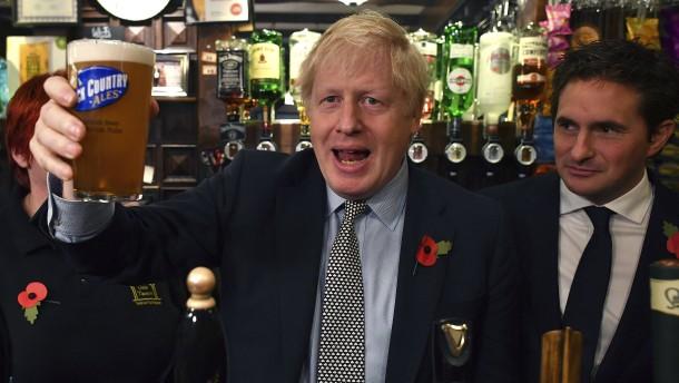 Farages Teilrückzug hebt Johnsons Tories auf Umfragehoch